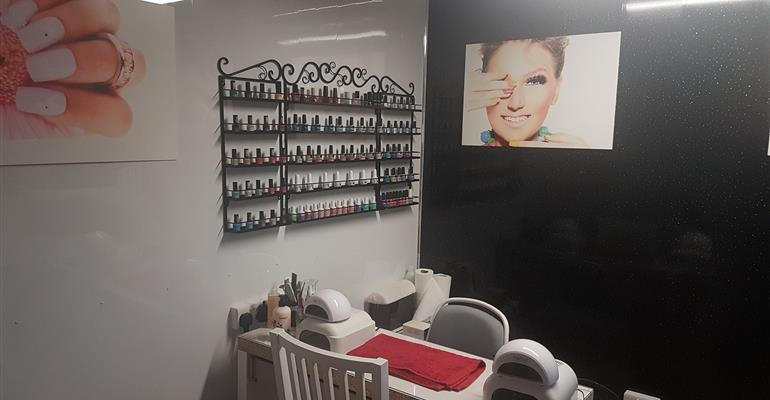 Our fully equipped salon can cater to your every need.  Including providing you with gel, infill, extensions and a good polish